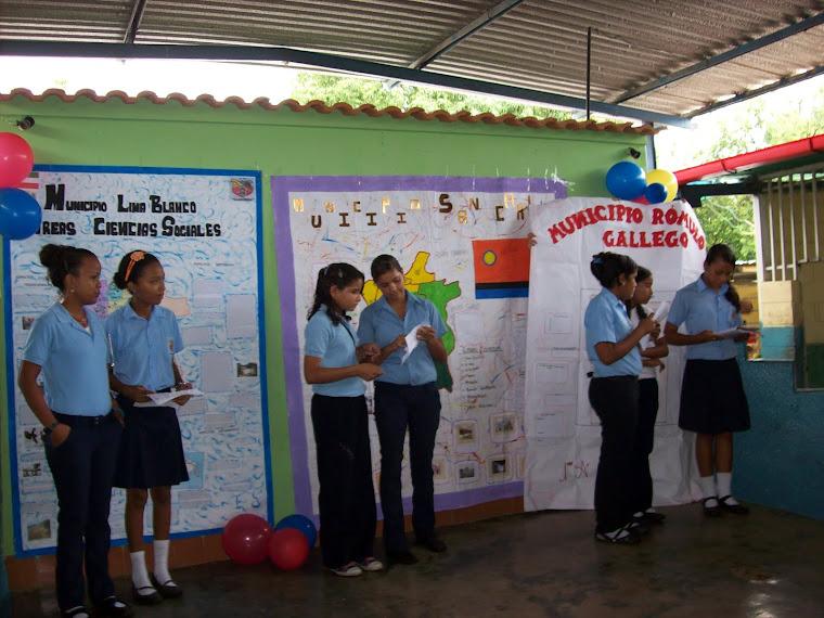 Exposición de Periódicos Murales por Municipio
