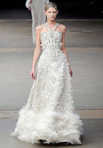 сватбени рокли Alexander McQueen
