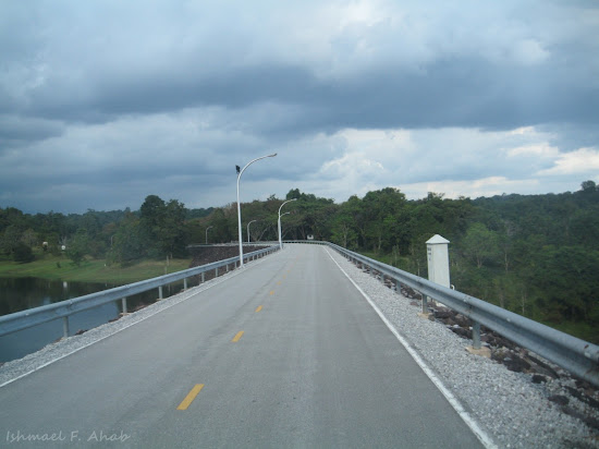 Road on Chulabhorn Dam