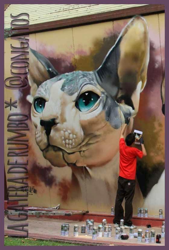 Mural gatos esfinge polideportivo San Blas. Detalle.