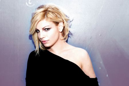 Emma Marrone - Trattengo Il Fiato - testo video download