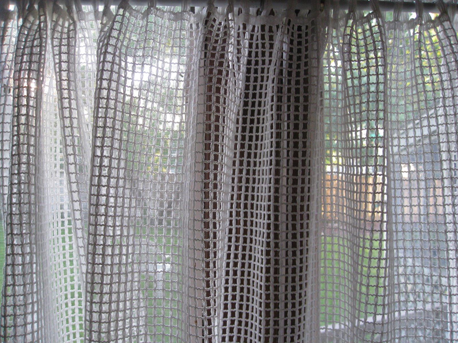 marylourambles summer sunrise thru 39 german curtains. Black Bedroom Furniture Sets. Home Design Ideas