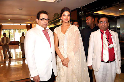 Deepika Padukone at Priyadarshni Academy Awards 2012