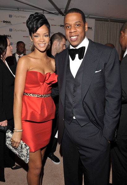 Jay Z Mother and Sister http://www.msjamerica.com/2011/11/video-rihanna-family-values-narrated-by.html