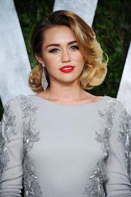 Miley Cyrus Vanity Fair on Peinados De Moda  Los Mejores Peinados De Las Celebridades 2012