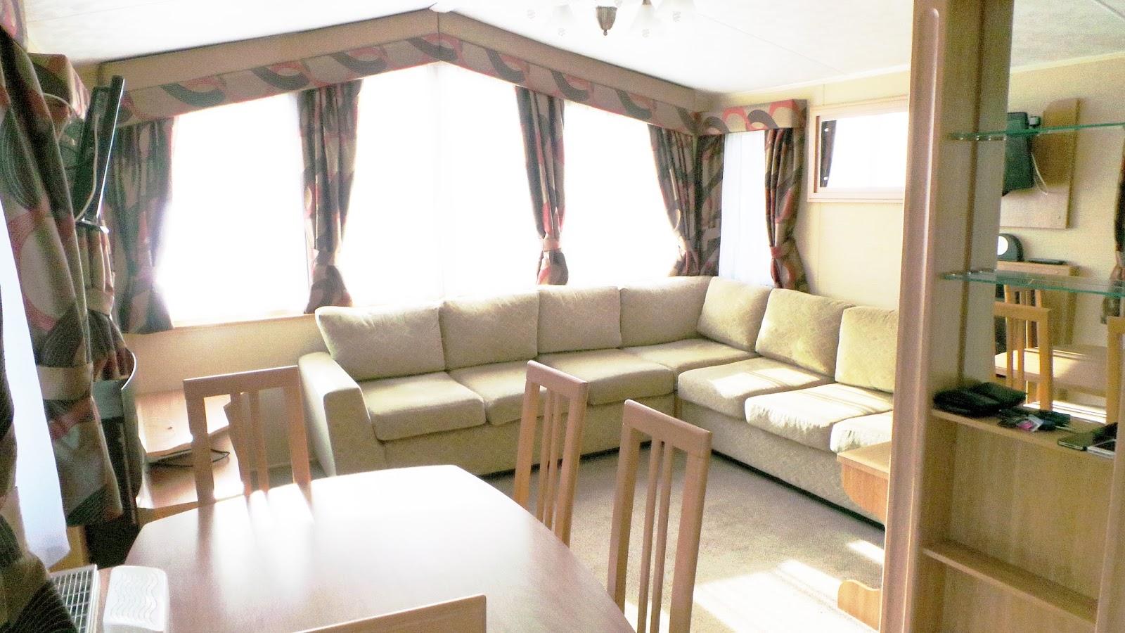 Review / Blog Billing Aquadrome Holiday Park, Northamptonshire Gold Caravan