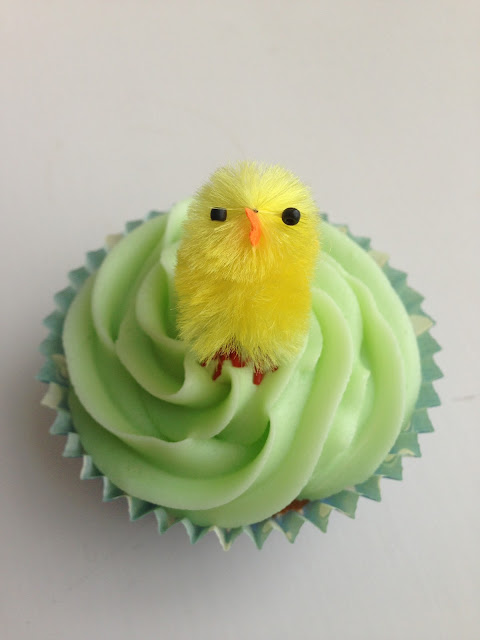 easter cupcakes, easter chick cakes, bird cupcakes, green icing, piped icing