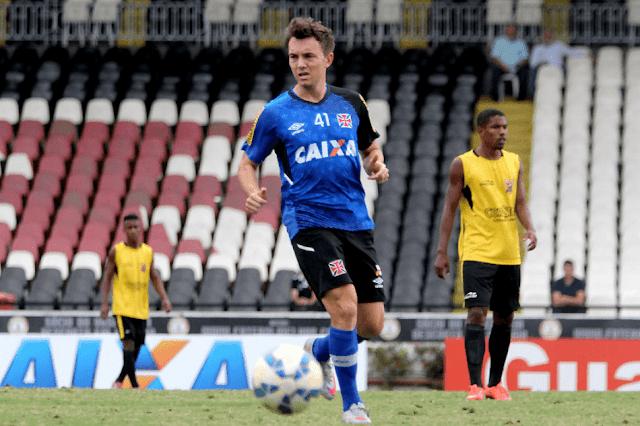 Ligado ao Vasco até o fim de 2015, Dagoberto pede tempo para recuperar físico (Foto: Paulo Fernandes/Vasco)