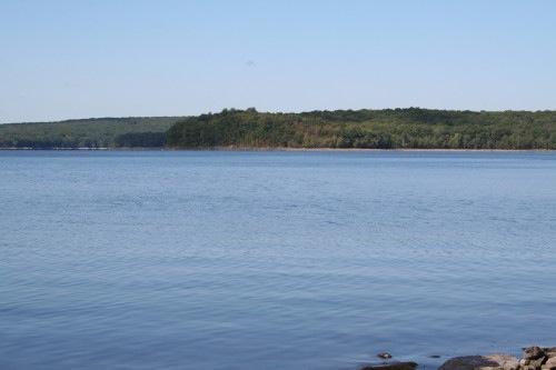 Blue roads to hiking trails hawley pa for Lake wallenpaupack fishing