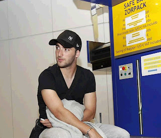 Higuain at Barajas Airport