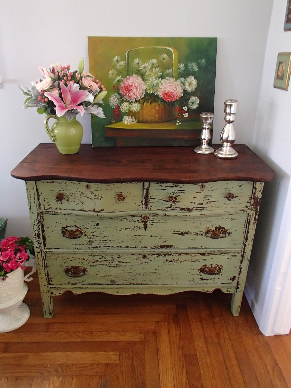D d 39 s cottage and design green chippy milk paint dresser for Ameublement shabby chic