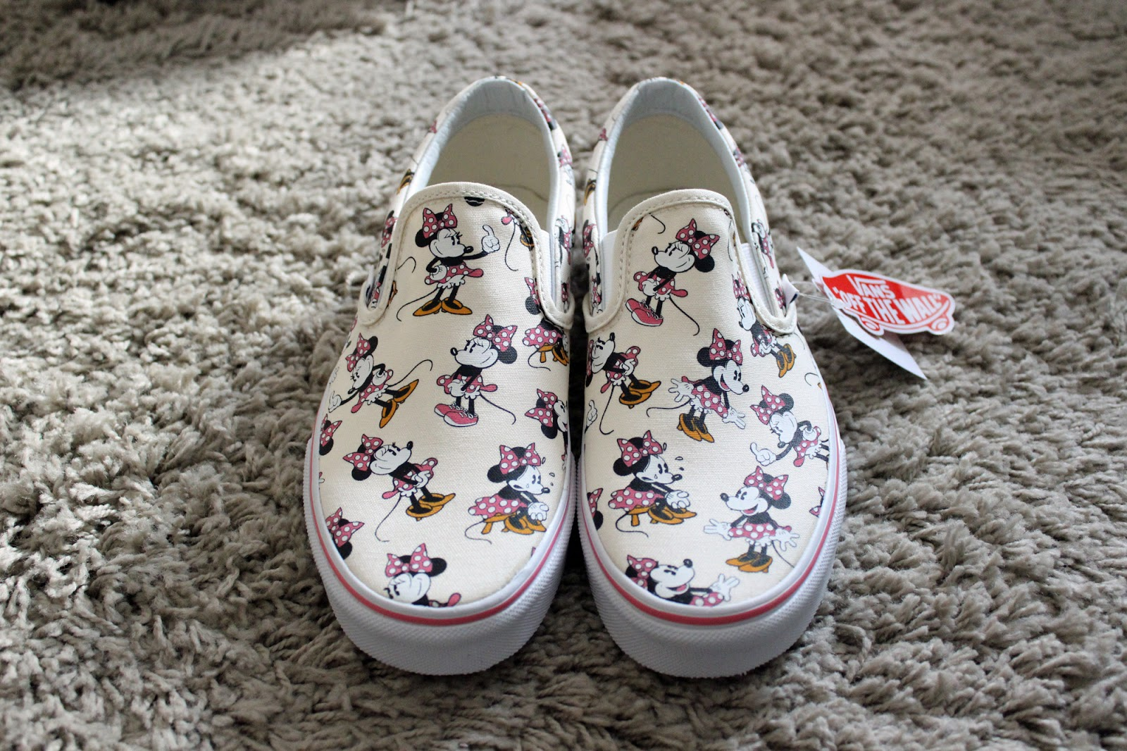 Disney Minnie Mouse Classic Slip On Vans