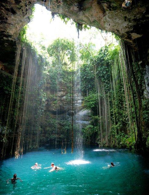 Cenote-Ik-Kil, Yucatan