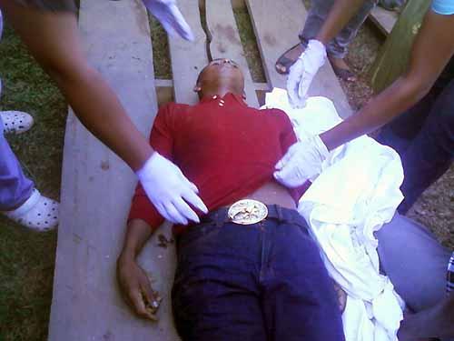 http://4.bp.blogspot.com/--0nksAMUQXg/T84bA_qvvcI/AAAAAAAAEtE/jKzQ10FN-68/s1600/Emerson+Mart%C3%ADnez+%28joven+muerto+en+ataque%29_4.jpg