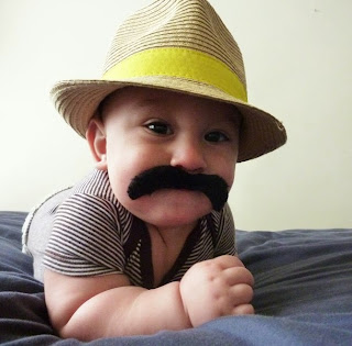 Gambar bayi lucu pakai kumis 30