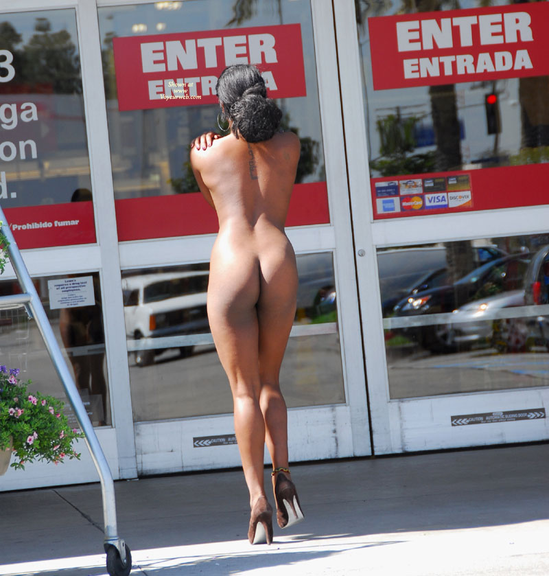 nude in shopping malls
