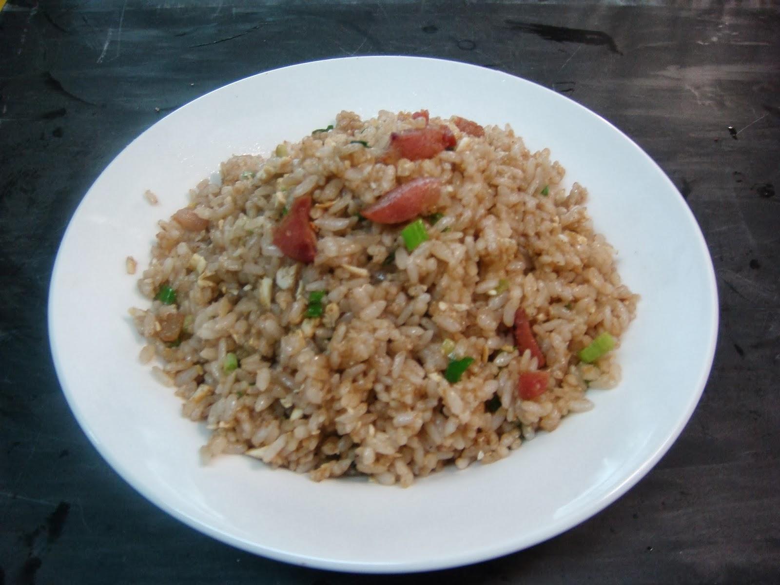 特製炒飯(塩漬けタマゴと腸詰め入り特製チャーハン)