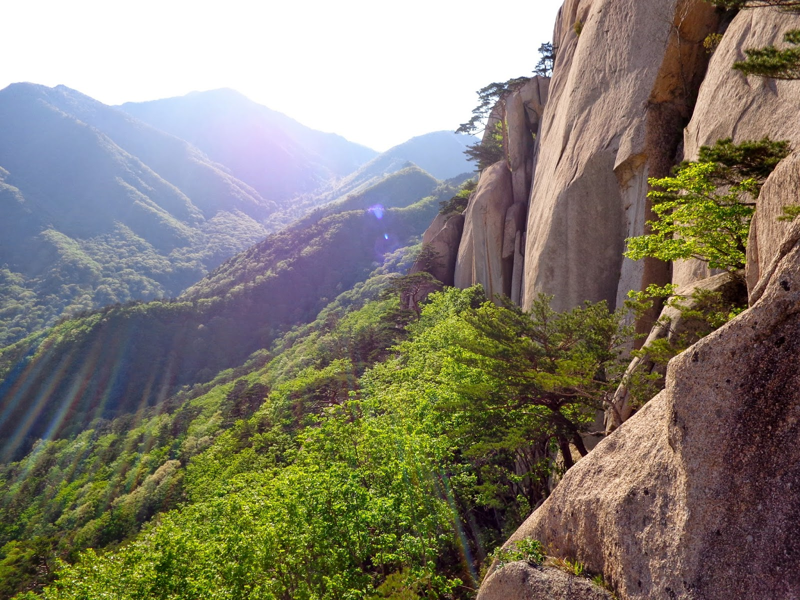 Seoraksan-National-Park-hike