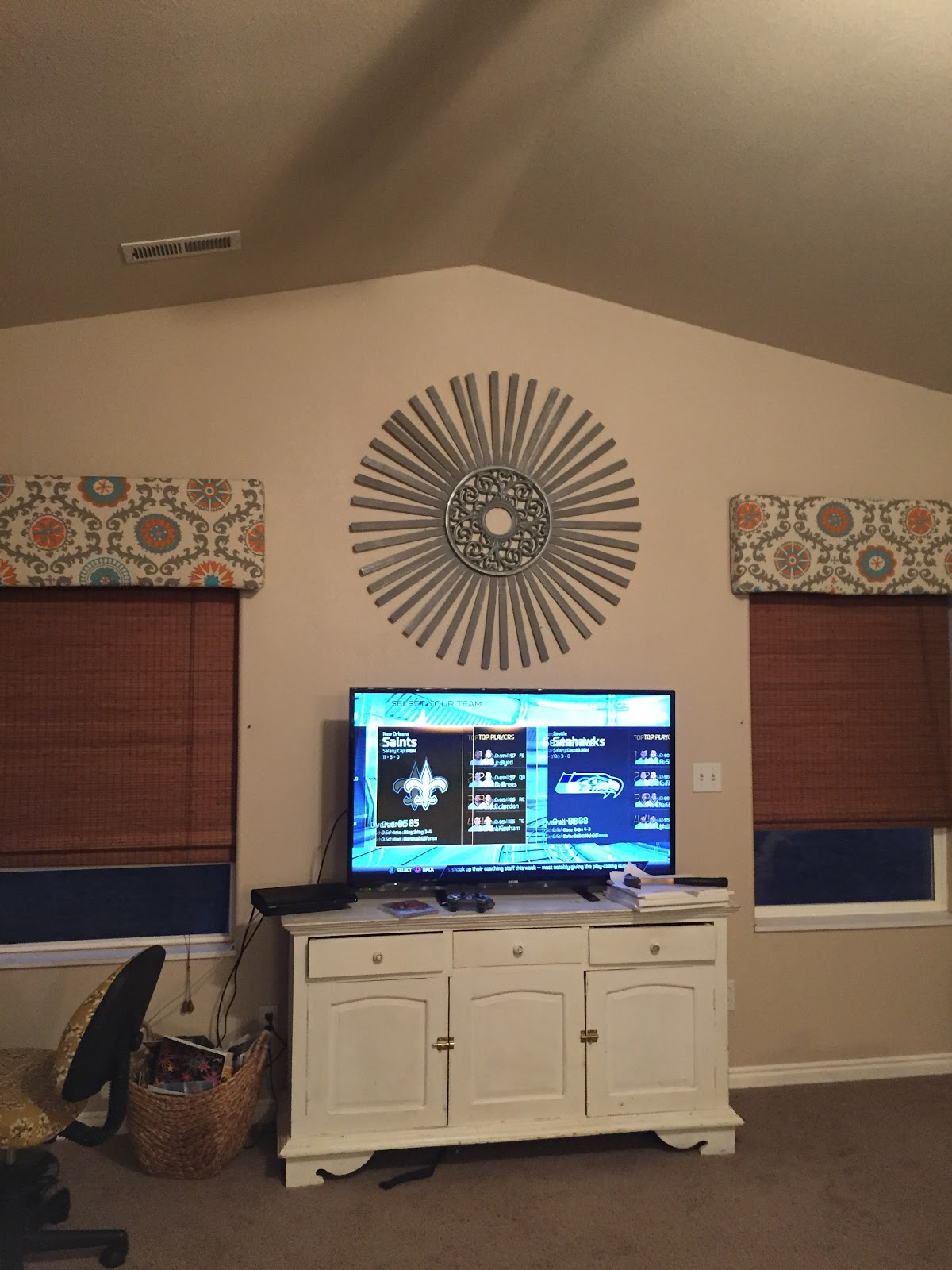Sunburst Tutorial- Big Look for Little money, decorate above TV, True Value Hardware,