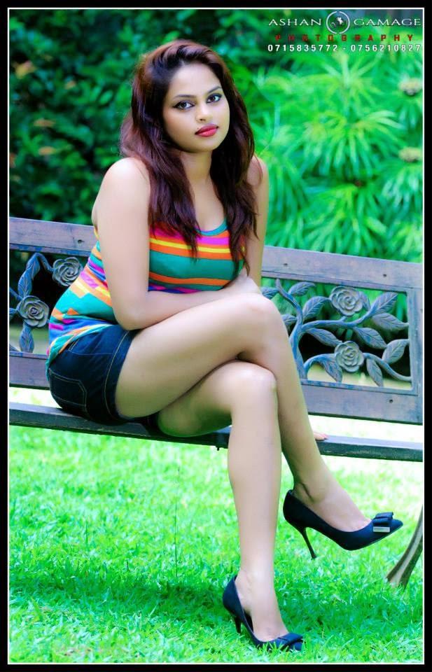 Thanuja Jayasinghe thighs