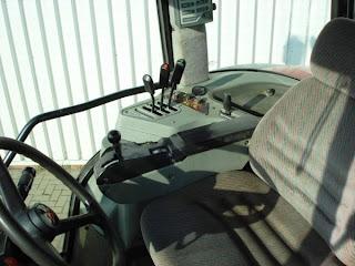 Tractor Massey Ferguson 8240 4 760380 Tractoare Massey Ferguson 8240 Second Hand de vanzare An 2002