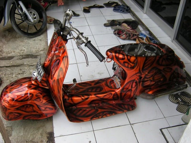 Modifikasi Motor vespa ceper airbrush