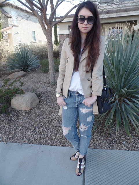 chic boyfriend jeans with trench coat