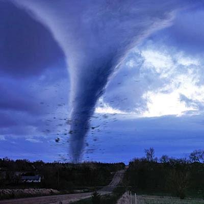 De Las Causas del Fitán Tornado-natural-disaster-400a061807