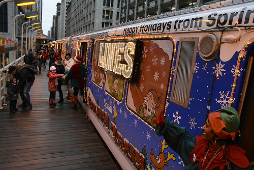 uptown update santa comes to uptown by train and bus next week - Cta Christmas Train 2014