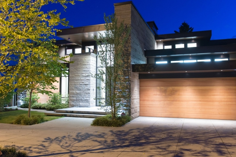 Front facade of Elegant modern house in west Vancouver, Canada