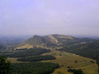 Camino Ra Guardia en Castillazuelo (Somontano, Huesca, Aragón, España)