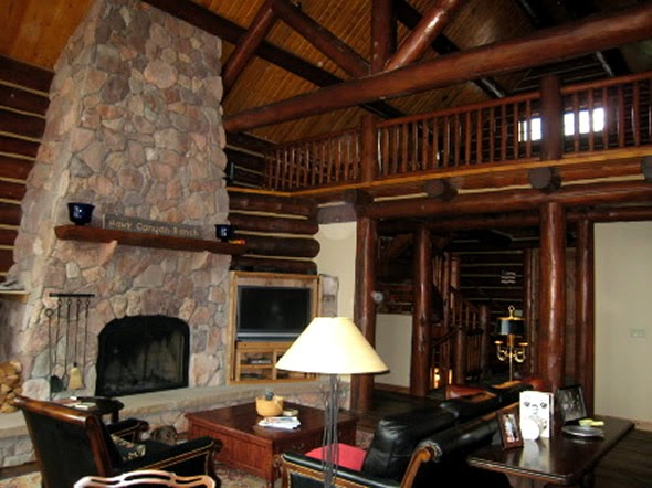 Lodge and log cabin ideas interior design at hartley room - Lodge living room decorating ideas ...