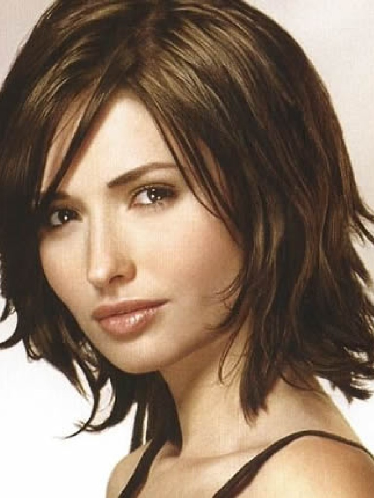 Medium Length Hairstyles Fine Straight Hair Layered Medium Length ...