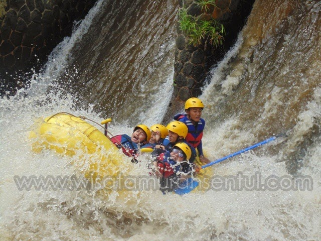 Rafting (Arung Jeram) di Sentul