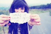 Sonreír te queda bien.
