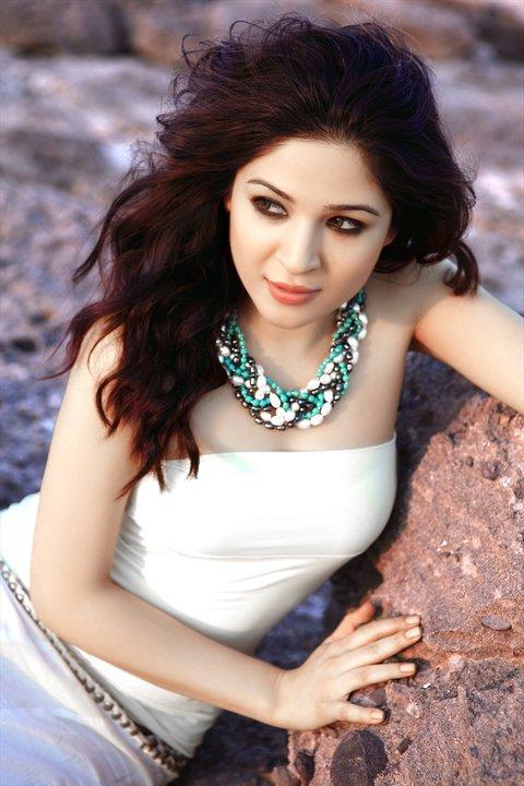 Pakistani Hot Celebrity: Ayesha Omer
