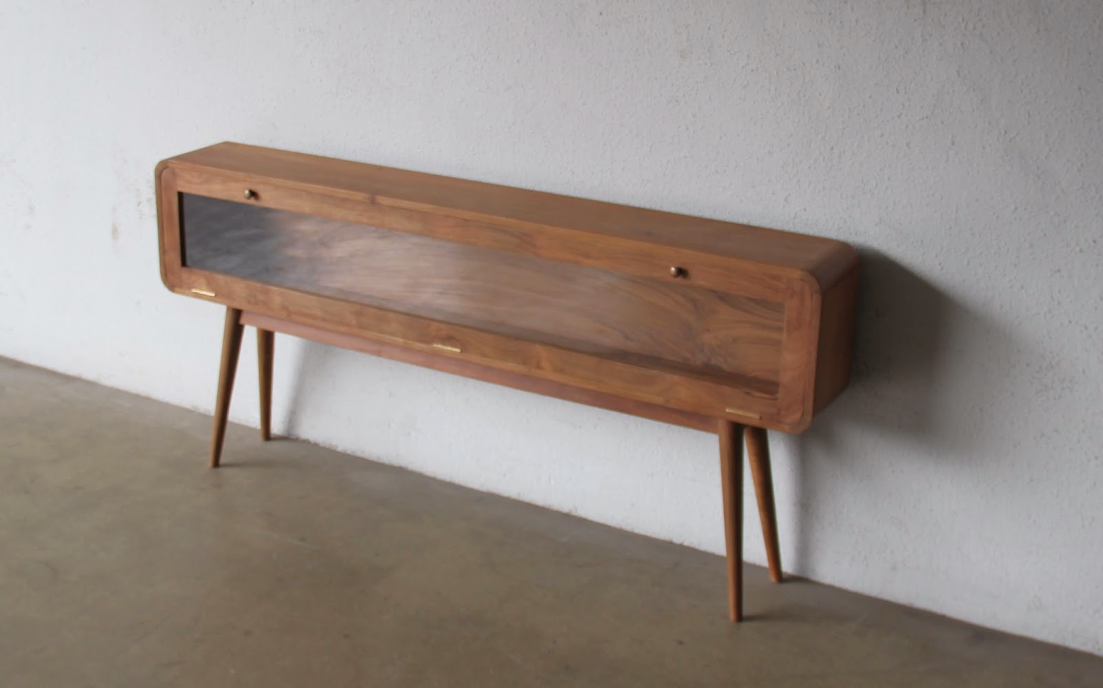 Second charm furniture mid century modern influence for Sideboard 70 cm