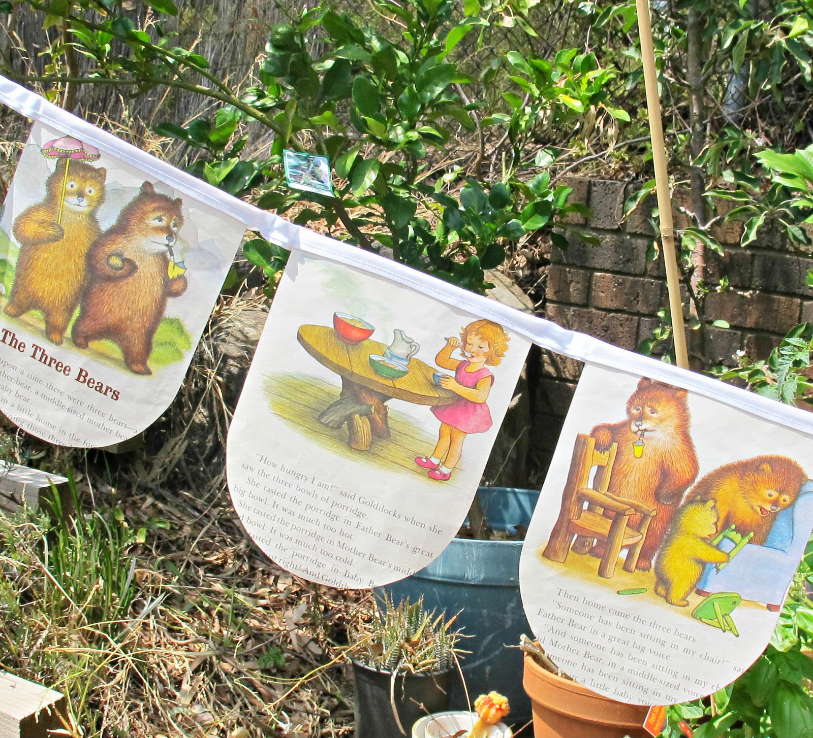 image golden book bunting fairytale nursery rhyme goldilocks and the three bears domum vindemia