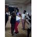 VIDEO: Mademu wa Kenya wamfuata Chumbani Diamond Platnumz kwa ajili ya kupiga nae picha.