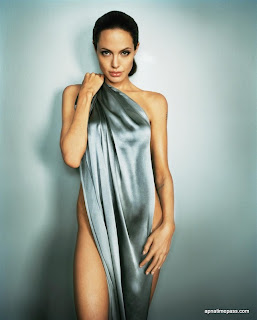 Kumpulan Foto Hot Angelina Jolie