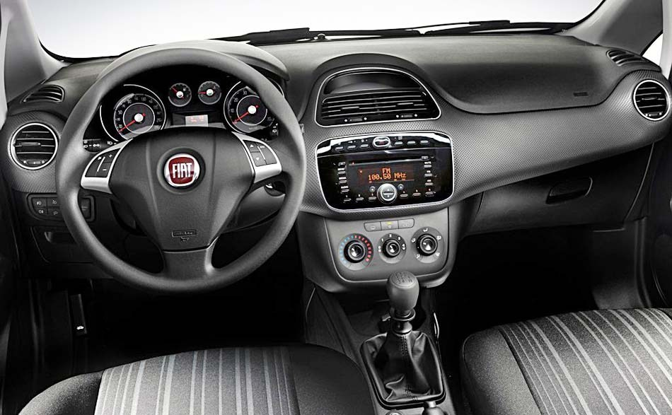 fiat punto evo ganha vers o 150 na it lia. Black Bedroom Furniture Sets. Home Design Ideas