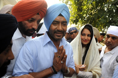 Sonakshi Sinha with Ajay Devgan at Golden Temple