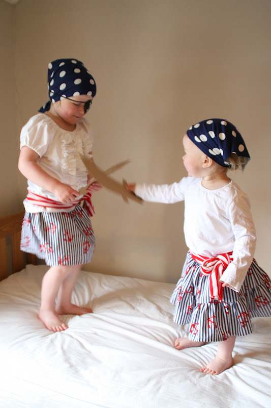Create with your hands: Homemade Girl Pirate Costumes