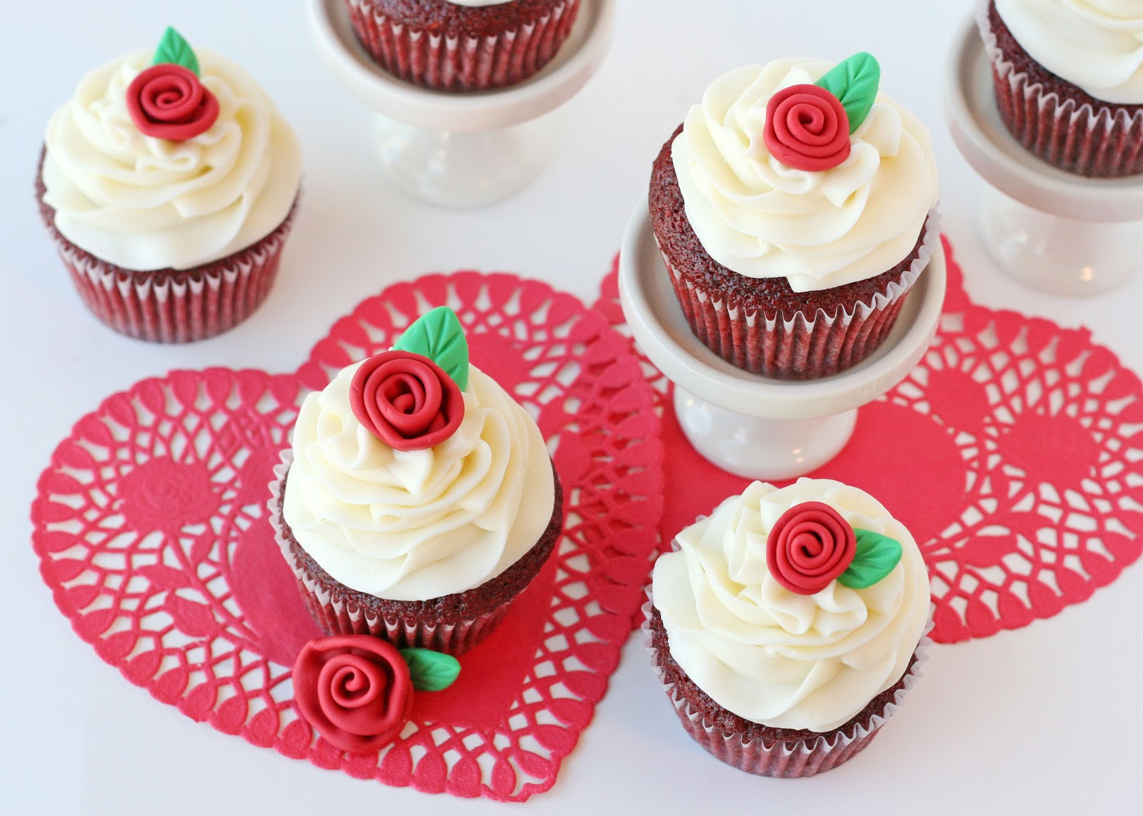 red velvet cupcakes with roses recipe - Valentine Cupcake