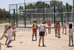 Voleibol y juegos en grupo