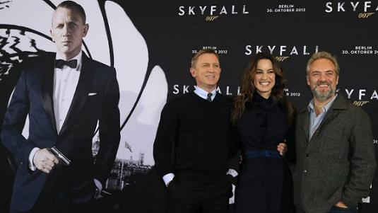 Skyfall director Sam Mendes signs on for next James Bond movie
