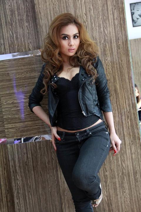 Burmese Bikini Model Criticized - The Irrawaddy