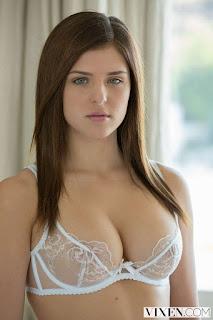 Naughty Girl - rs-14-780841.jpg