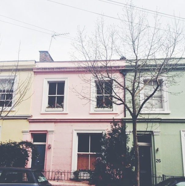 uk blogger, uk beauty blogger, uk lifestyle blogger, london, notting hill, portobello market, pastel houses