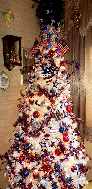 Patriotic crafts and Patriotic decorated indoor tree